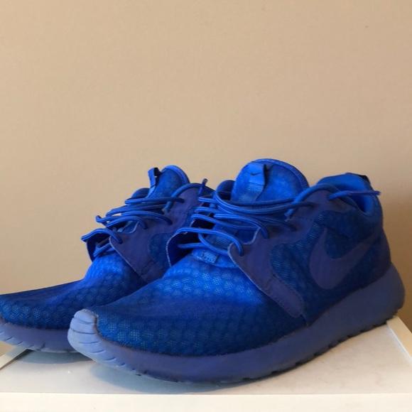 639b1bc33542 Men s Blue Nike Roshes. M 5adb73a345b30c2404bf0b66